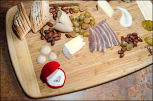 wedding-ring-charcuterie-platter-picnic-wine-bar
