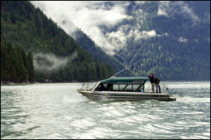 scenic-boat-tour-discovery-islands-bc