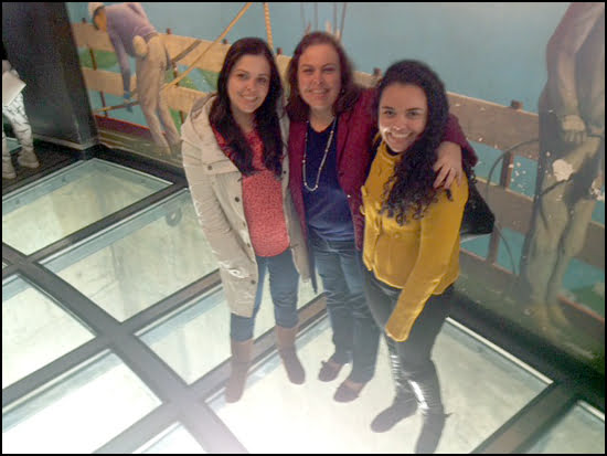 CN-Tower-Mothers-Day