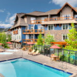 canmore-alberta-blackstone-mountain-lodge