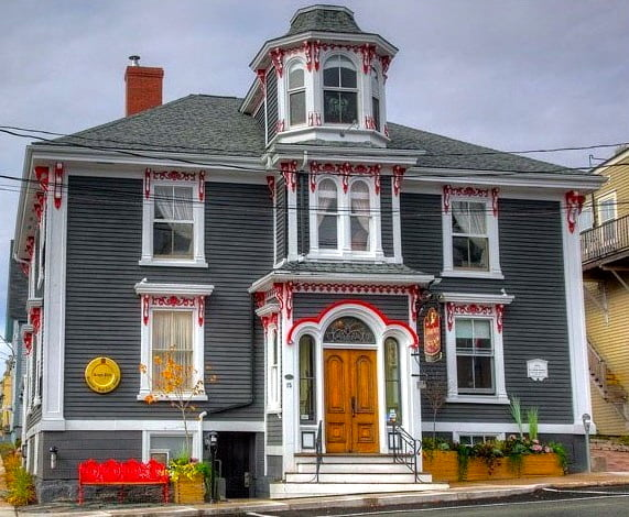 The Mariner King-Lunenburg-Nova-Scotia