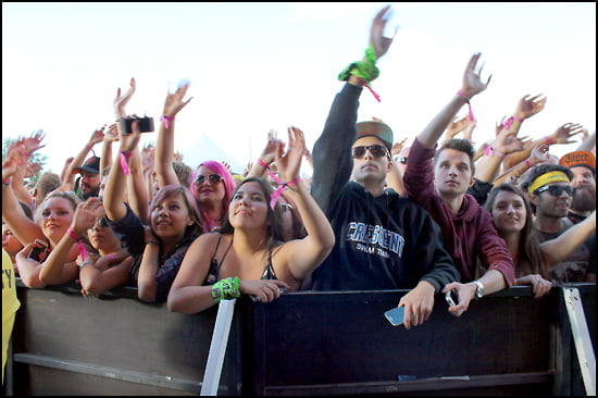 XFest Calgary-crowd-article