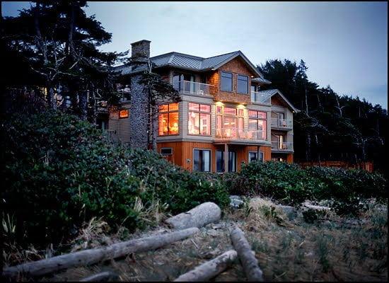 Long-Beach-Lodge-Exterior