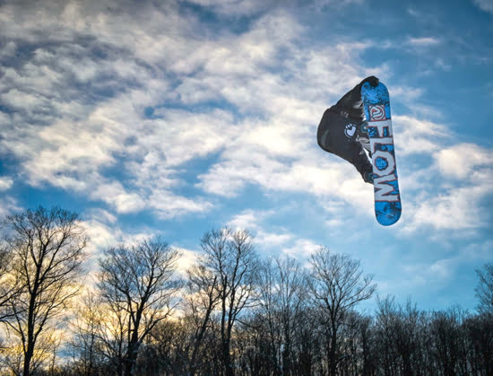 snowboard-horseshoe-mountain-ontario