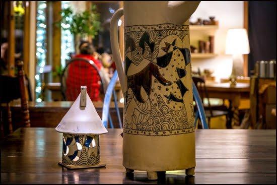Charming teapots at the Tea Farm. (Julia Pelish/Vacay.ca)