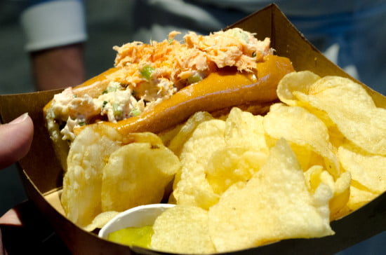 lobster-roll-kettle-chips-rogers-arena-vancouver