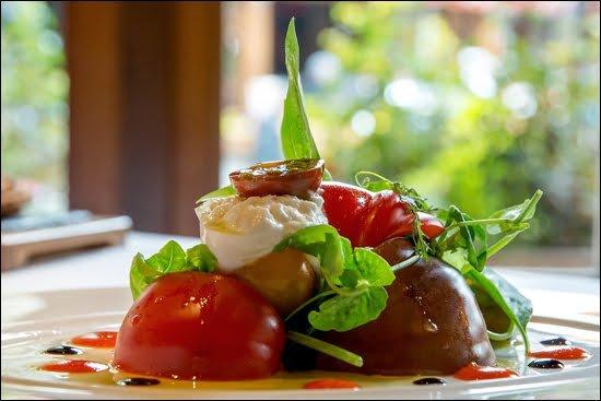 araxi-salad-whistler