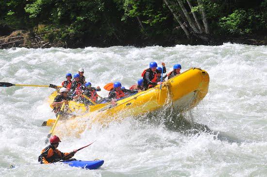 whitewater-rafting-squamish-sunwolf-raft