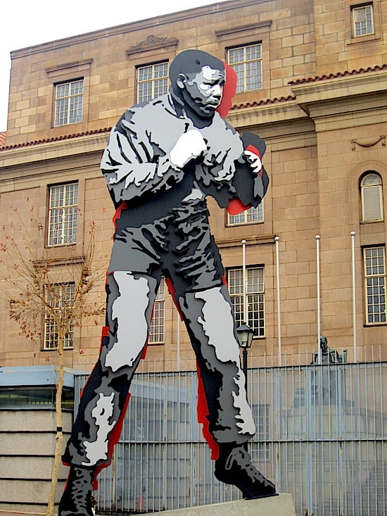 nelson-mandela-boxing-statue-south-africa