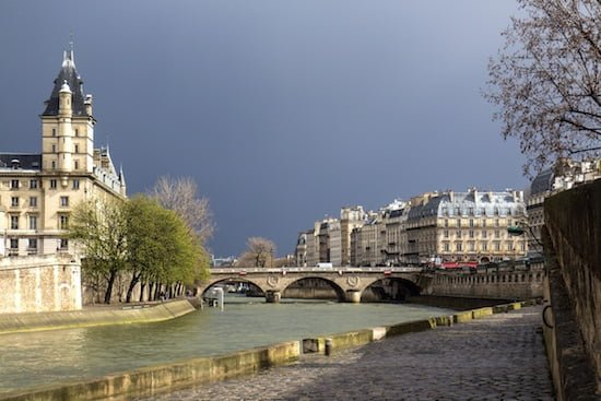 saint-michel-bridge-paris