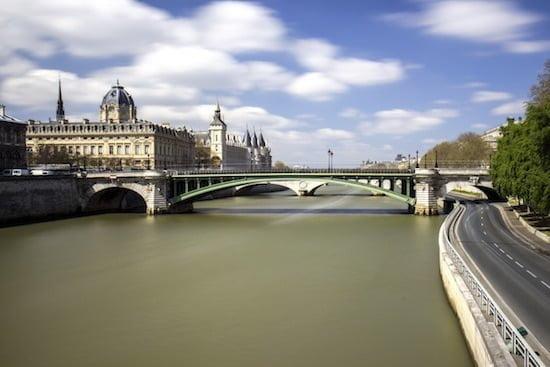 notre-dame-bridge-paris