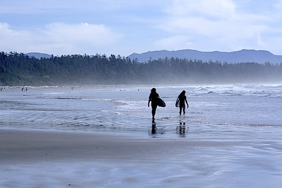 tofino-surfers-long-beach-bc
