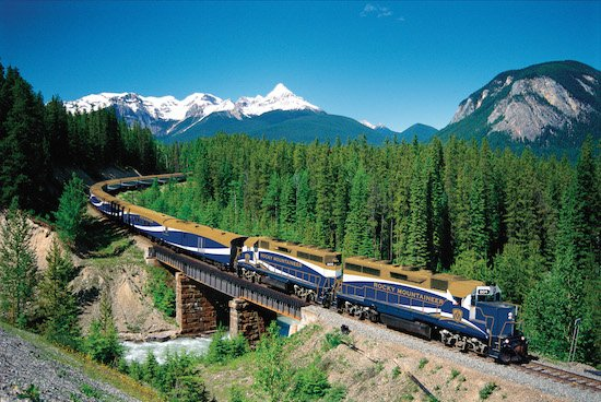 The-Rocky-Mountaineer-train