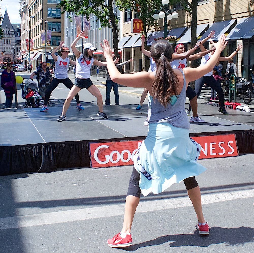 dancing in the streets victoria small