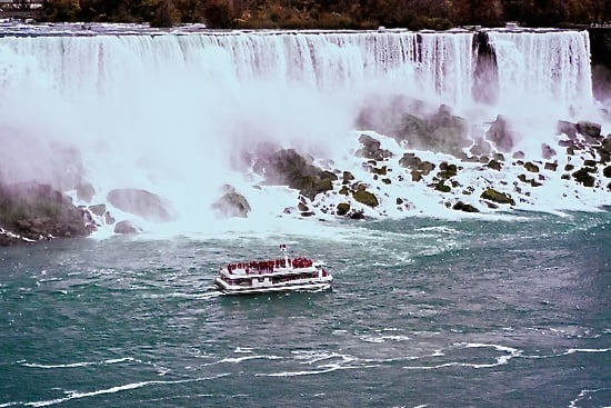 niagara-falls-hornblower-cruise-november-20141