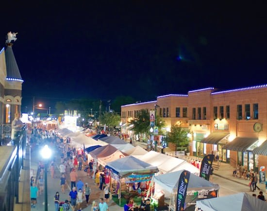 grapevine-texas-grapefest-at-night-small