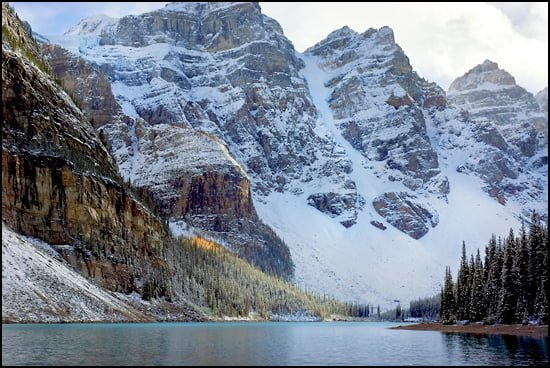 Banff-Moraine-Lake