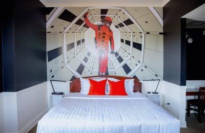 kubrick room-arlington hotel-paris ontario