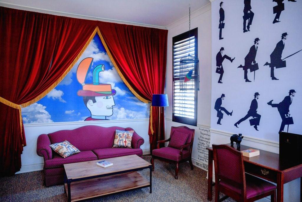 monty python room-arlington hotel-paris ontario