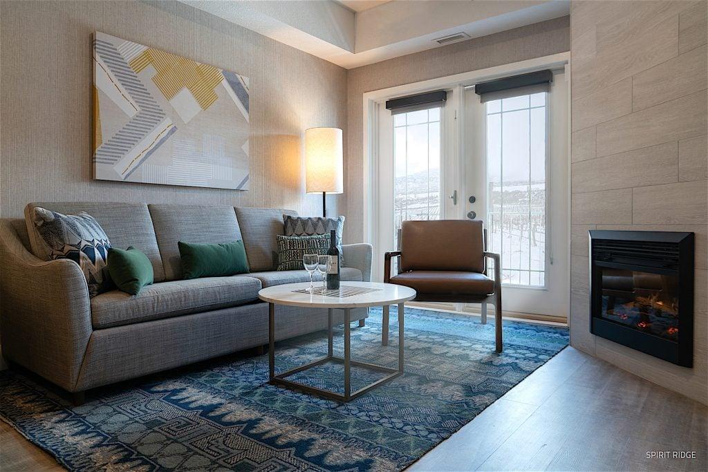 Spirit-Ridge-New-Guestroom-Sitting-Area_SR