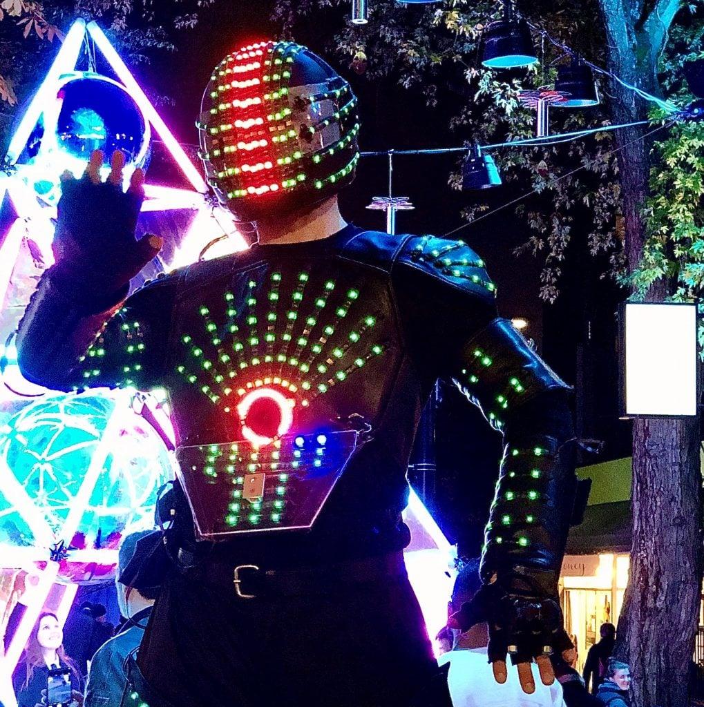 lumiere-vancouver-robot
