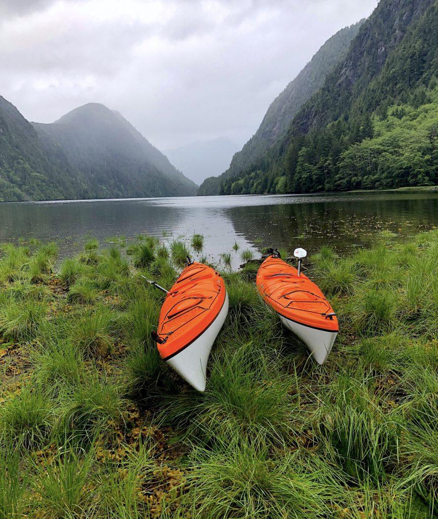 kayaks-haida-gwaii-moresby-island