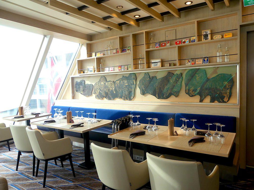 hurtigruten-ms-roald-amundsen-restaurant
