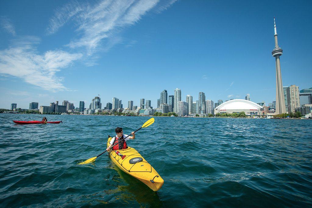 WBIA_kayaks_toronto-harbourfront
