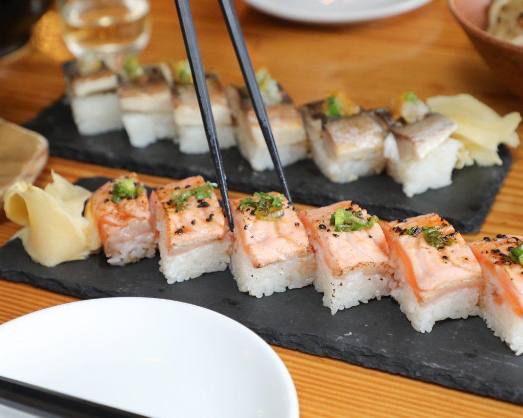kinka-izakaya-salmon-oshizushi-toronto
