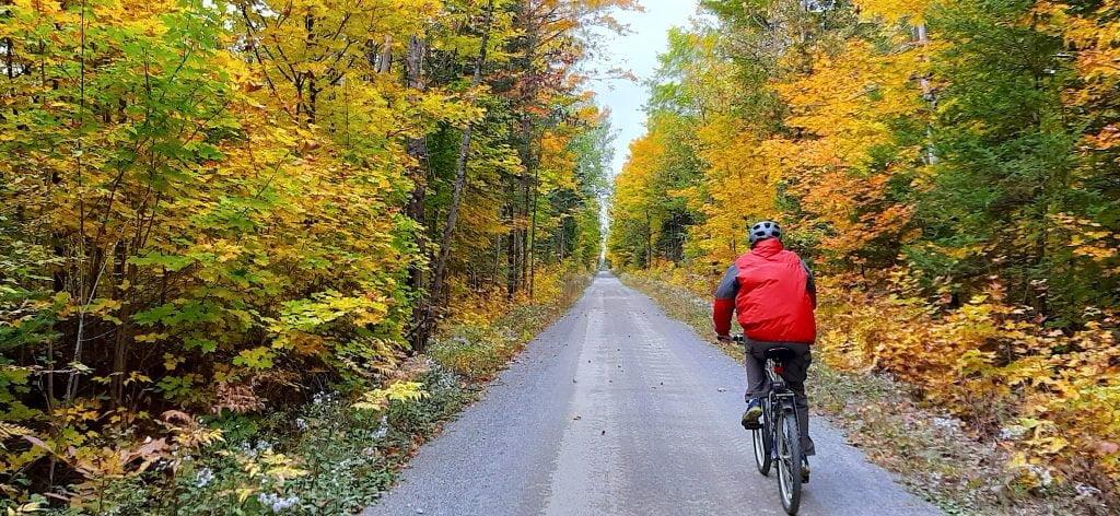 K&P-trail-cyclist