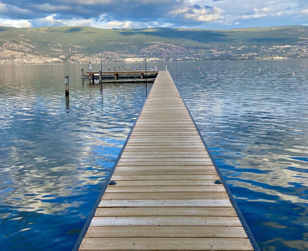 summerland-waterfront-resort-deck