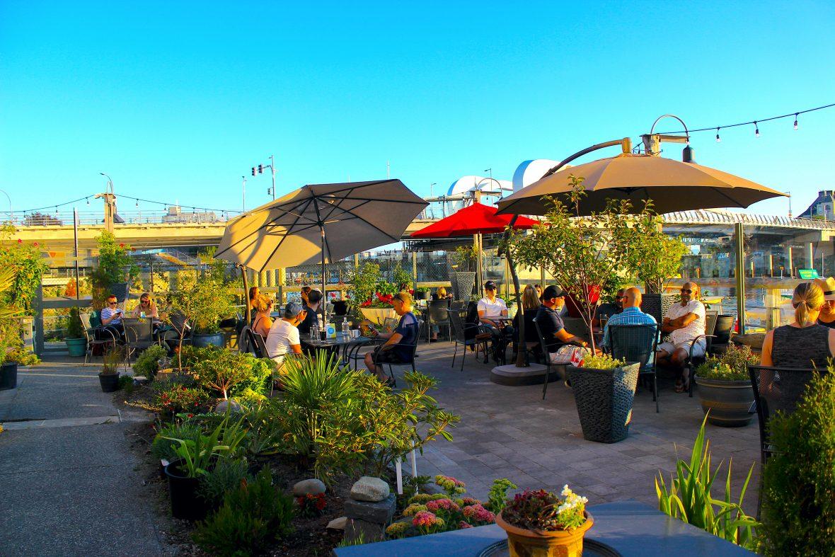 tug-eatery-patio-victoria