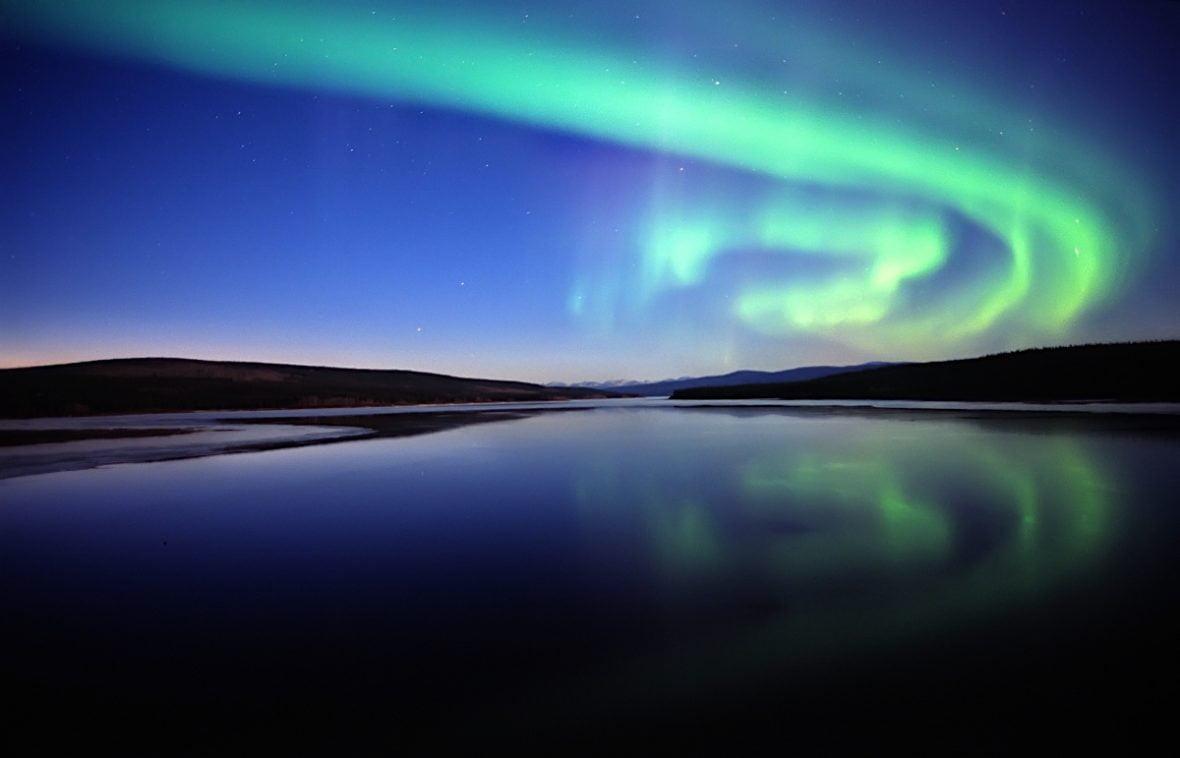 aurora-borealis-dawson-city-yukon
