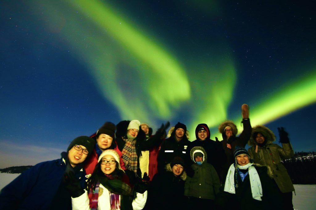 Northern-Lights-Yellowknife-Viewers