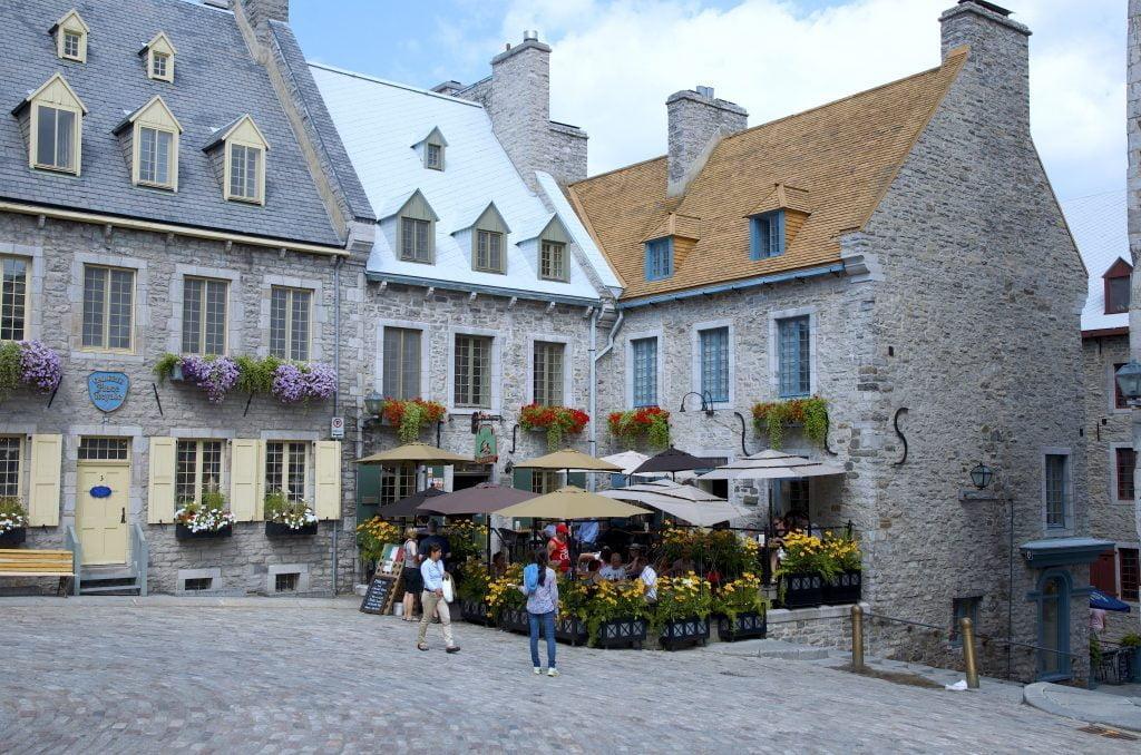 Quebec-City-quartier-de-champlain