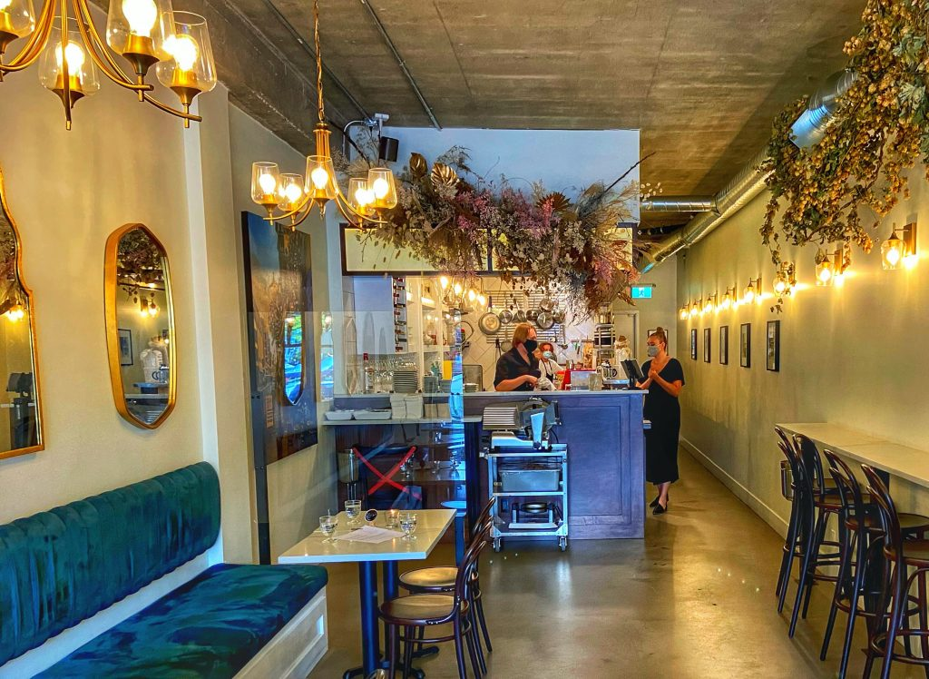 the-bench-wine-bar-fort-langley