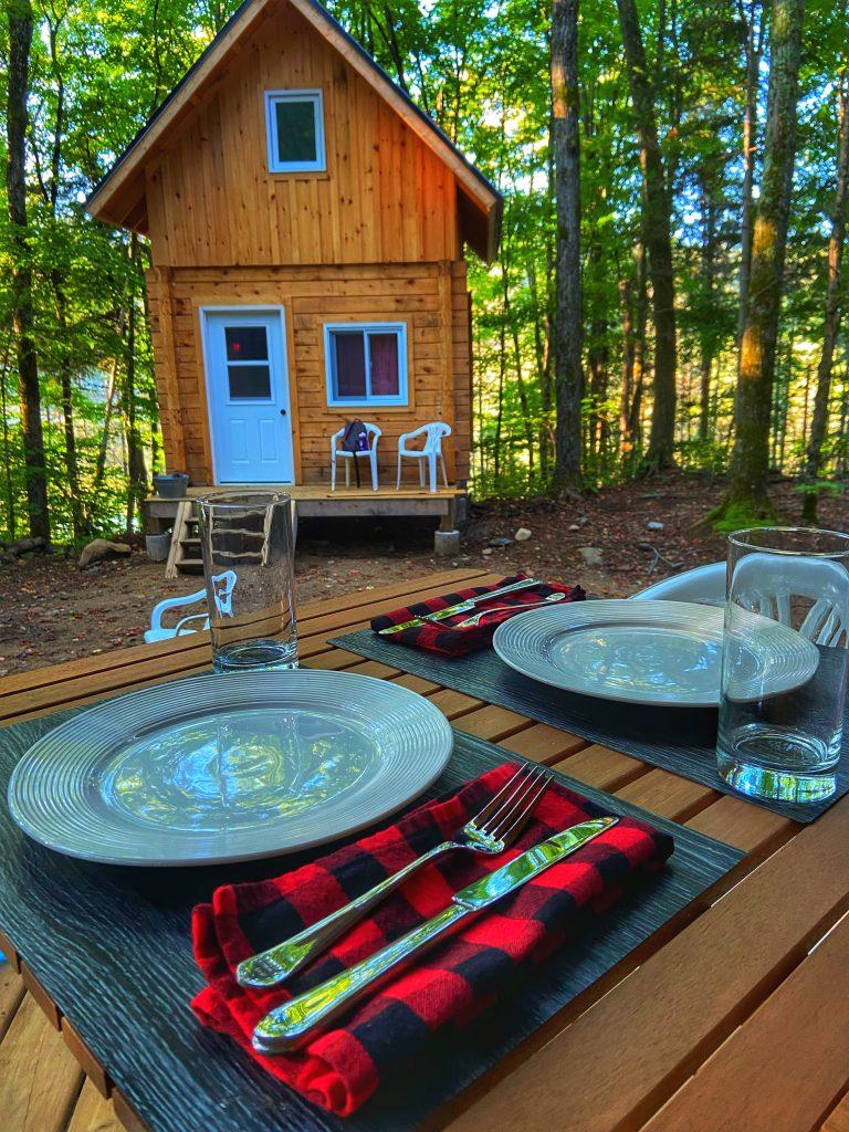 winterdance-cabins-table-settings-ontario